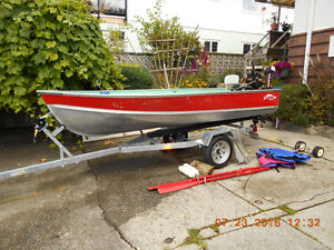 12 foot Lund Aluminum Guide Series Boat, with Many Accessories