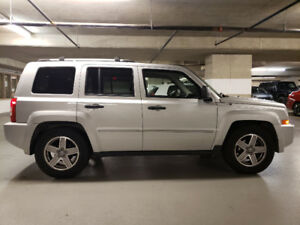 2008 jeep patriot  low km