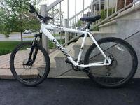 Vélo de montagne Specialized Hardrock Sport
