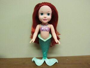 Poupée **Ariel** lumineuse et language en anglais...14po