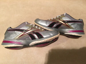 Women's Reebok Easy Tone Smooth Fit Shoes Size 6.5 London Ontario image 5