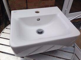 IDEAL Cloakroom Sink