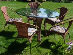Designer Wicker-Glass Dining Rm Set - 5 Chairs