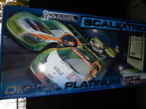 SCALEXTRIC DIGITAL PLATINUM SLOT CAR ROAD RACE SET
