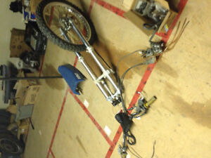 250 dirt bike front end with carb and handlebars