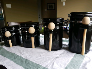 Set of 4 kitchen containers