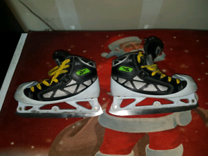 Reebok 3k boot with step steel blades size 2.5
