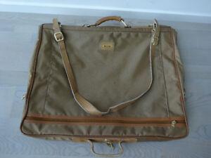 Samsonite Travel Suit Carriers & Garment Bags DIMENSIONS L 40 x