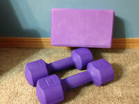 5 lb weights and yoga block