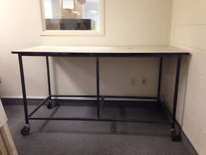 WORKBENCH MOBILE ON wheels casters