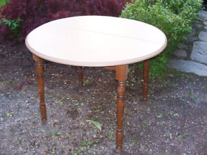 Kitchen Table 40 Inches Across For Sale