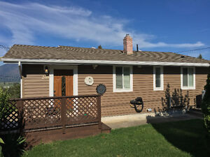 GREAT VALUE IN THIS CRESTON BUNGALOW!