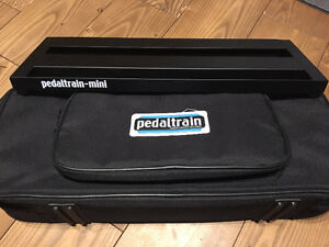 Pedaltrain Mini with universal Power supply and adaptors