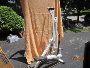 tony little stepper with a new one in box included Kitchener / Waterloo Kitchener Area image 2