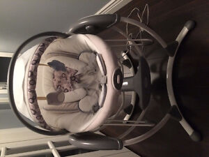 Graco elite swing/bouncer.