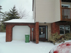 4 bedroom TownHouse in Southdale/ Manor Park