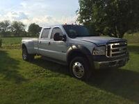 2005 Ford F-550 Pickup Truck