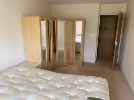 Triple bedroom *no deposit**