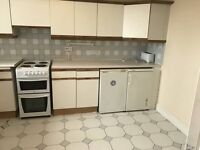 MASSIVE TWIN ROOM NEAR TO CLAPHAM STATION AVAILABLE NOW!!!