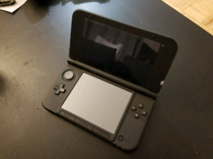 Nintendo 3DS XL w/ charger