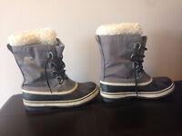 Women's Sorel Winter Carnival Boot Size 8