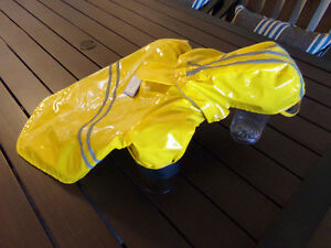 Brand New Lined  Foul  Weather / Rain  Coat  For Small Dog Kingston Kingston Area image 2