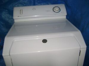 Dryer works and looks such as a brand new one! Gatineau Ottawa / Gatineau Area image 5