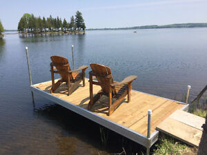 CALABOGIE LAKE WATERFRONT - CUSTOM, 5 BED, 1 SUMMER WEEK LEFT!