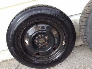 Michelin Snow Tire X-Ice 195/65/R15 Kawartha Lakes Peterborough Area image 1