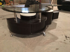 Glass Top Coffee Table with Stools Stratford Kitchener Area image 1