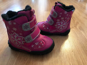 EUC Toddler Girls Geox Snow Boots
