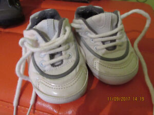 Baby girl sneaker boots up to 6 months