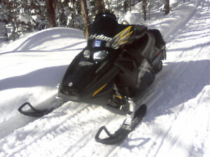 Mach z 1000 - Mint condition - 100+ mph sled Kitchener / Waterloo Kitchener Area image 2