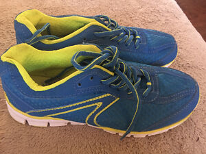 Size 4 1/2 running shoe