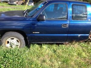PARTING OUT 99 Chevy truck
