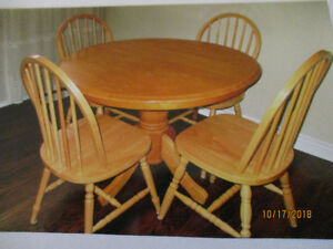 PINE TABLE WITH 4 CHAIRS