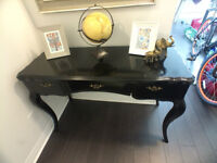"""Regal console/writers table. Beautiful 10/10! 48""""x18"""""""