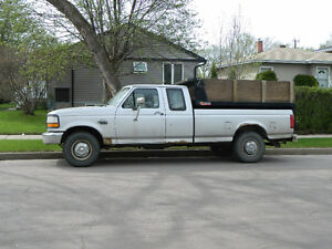 1992 Ford F-250 Pickup Truck WITH DUMP BOX INSERT
