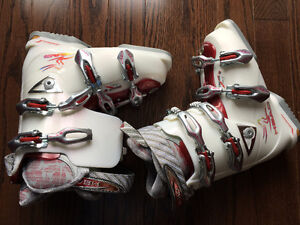 Head Dream Thang 8 Ski Boots Size 24 - Ladies 7 NEW PRICE