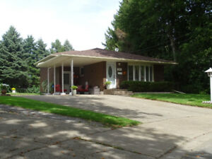 AFFORDABLE THREE BEDROOM BACKSPLIT IN NIAGARA FALLS