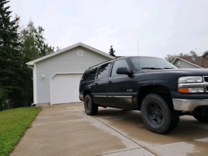 4x4 Chev Suburban! LIC/INSP! Fully Loaded Leather! 3000$