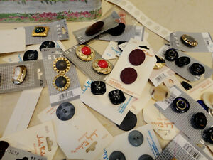Selling the Motherload of Buttons! Over 800 NEW Buttons Kitchener / Waterloo Kitchener Area image 4