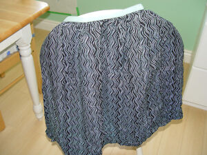 Baby Nursing or Breastfeeding Cover with Wavy prints Kitchener / Waterloo Kitchener Area image 1