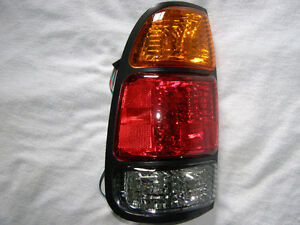 Tail Lamp Toyota Tundra 2000 - 2006 Lumiere Arriere Neuve