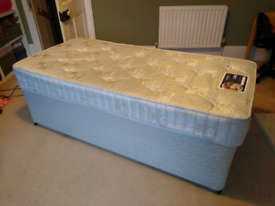 Single bed - great used condition
