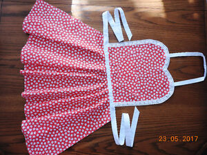 Aprons for mom and daughter