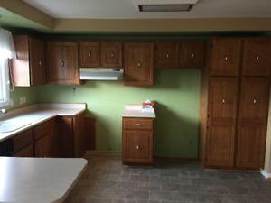 Armoires de cuisine en merisier ( cuisine 10 x 13 )