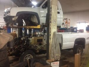 2004.5 Chevy 2500 duramax BUILTUP  Stratford Kitchener Area image 5