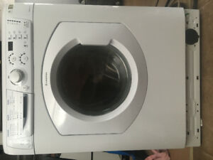 Ariston Combination Washer/Dryer, like new, White--$800