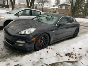 Porsche Panamera 4S with active warranty until mai 2019